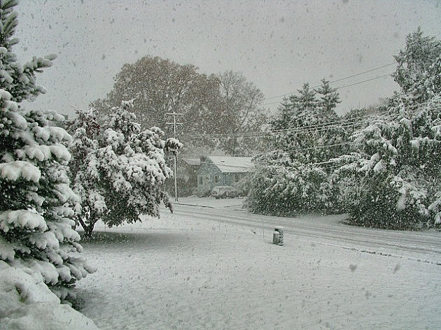 Mine Hill, New Jersey during October snowstorm.