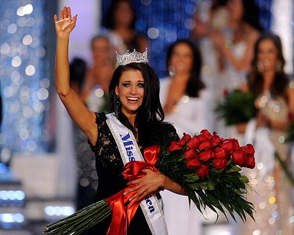 Laura Kaeppeler wins  Miss America Pageant