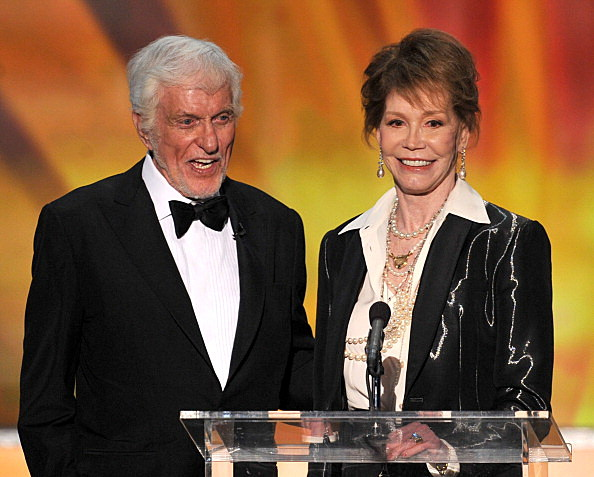 Dick Van Dyke (L) presents the SAG Life Achievement Award to Mary Tyler Moore