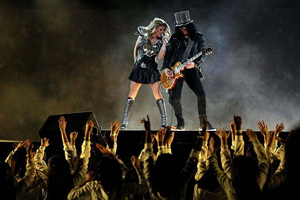 Fergie and Slash perform Super Bowl Halftime
