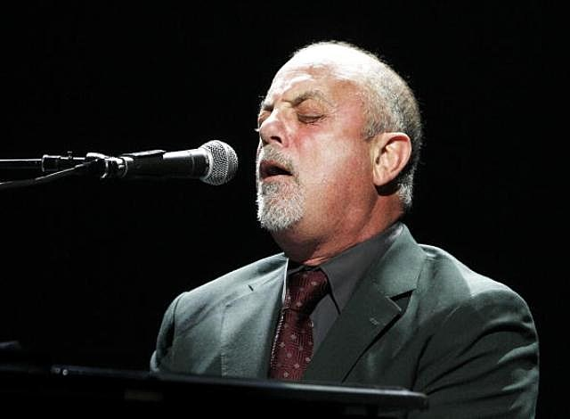 Billy Joel performs onstage at the Honda Center on March 30, 2009 in Anaheim, California.