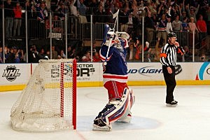 HHenrik Lundqvist celebrates the Rangers win over the Capitals in Game 7