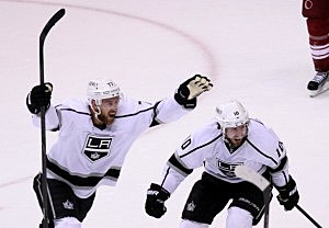 Jeff Carter #77 and Mike Richards #10 of the Los Angeles Kings