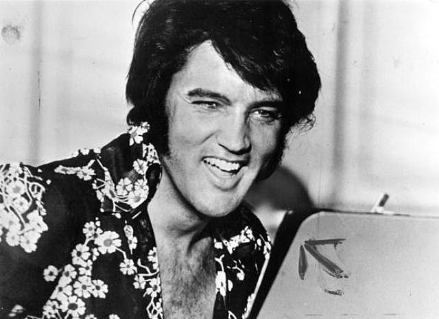 circa 1975: American popular singer and film star Elvis Presley (1935 - 1977), to his fans the undisputed 'King of Rock 'n' Roll'.