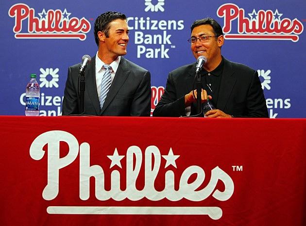 Cole Hamels Signs Extension with Philadelphia Phillies