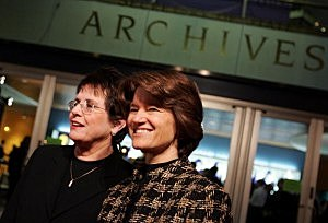 Billie Jean King (L) and former astronaut Sally Ride