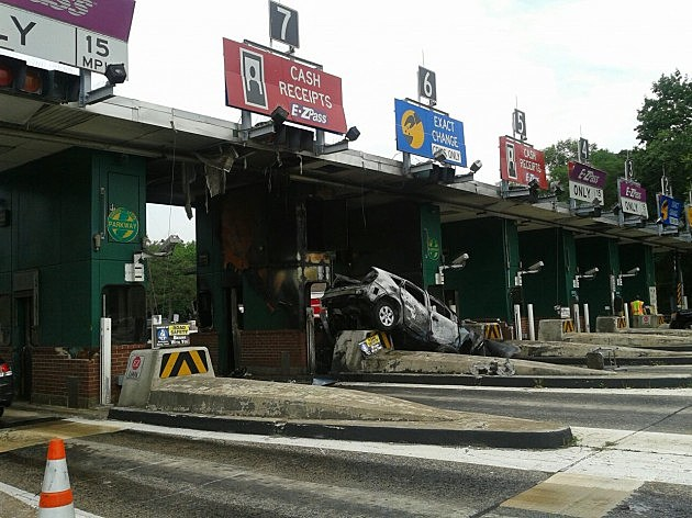 Car Hits Parkway S Bergen Toll Plaza Photo