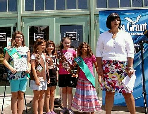 New Jersey Sea Grant Consortium Executive Director Claire Antonucci with Girls Scouts (Ilya Hemlin Townsquare Media NJ)
