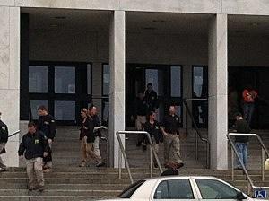 FBI agents leave Trenton City Hall