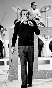 Andy Williams in concert in 1974