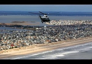 Marine One carries President Obama and Governor Christie over Atlantic City
