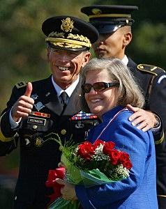 Gen. David Petraeus (L)  with his wife, Holly Petraeus