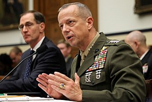 U.S. Marine General John Allen (R), the chief U.S. and NATO commander in Afghanistan