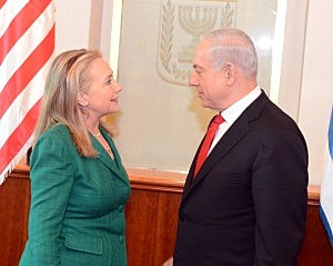 ecretary of State Hillary Clinton meets with Israel's Prime Minister Benjamin Netanyahu (R) on November 21, 2012 in Jerusalem, Israel