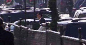 Mitt Romney arrivers for lunch at the White House