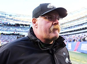 Andy Reid walks off the field after the game against the Giants at MetLife Stadium