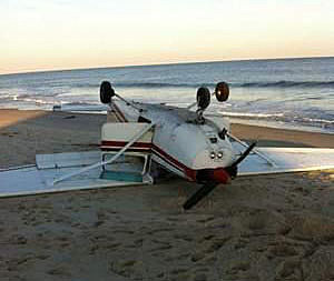 Plane crashes on Bay Head beachPlane crashes on Bay Head beach
