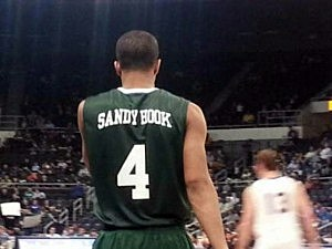Providence College mens basketball team honors Sandy Hook Elementary School victims