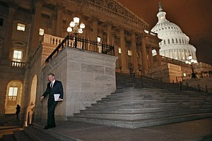 Capital building after House passed Fiscal Cliff bill