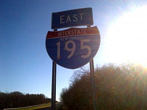 Interstate 195 marker