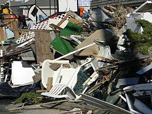 Sandy trash
