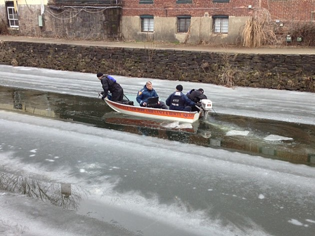 State Police Marine Team searches Lambertville canal