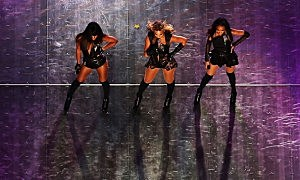 Singers Kelly Rowland, Beyonce and Michelle Williams perform during the Pepsi Super Bowl XLVII Halftime Show