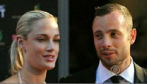 (L-R) Reeva Steenkamp & Oscar Pistorius