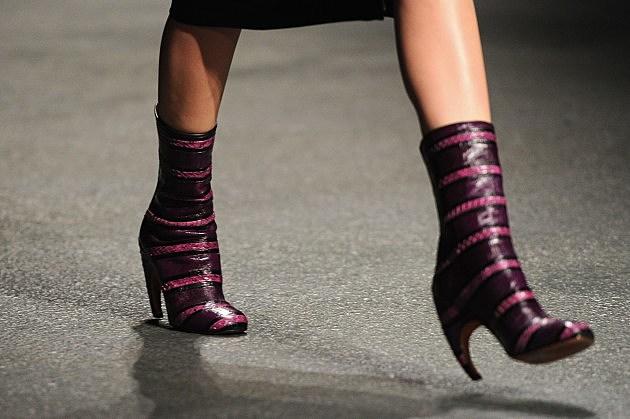 NYU Girl becomes a foot hooker
