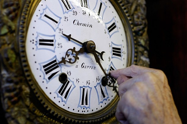 When does the 2013 Daylight Savings Time Begin?
