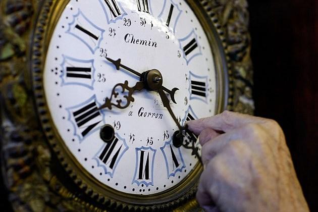 U.S. Prepares To Set Clocks Ahead as Daylights Saving Time Begins