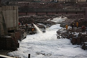 Rescue crews along the Big Sioux River in Sioux Falls, South Dakota