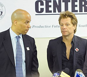 Newark Maryor Cory Booker (L) with Jon Bon Jovi in 2011
