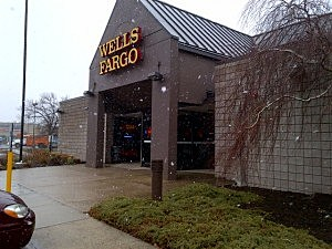Snow falls at Wells Fargo branch in Toms River