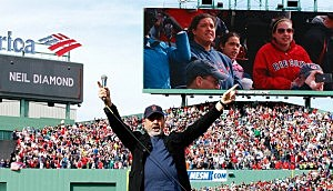 "Neil Diamond sings ""Sweet Caroline"" at Fenway Park"
