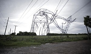 A power line pylon bent by the Oklahoma tornado