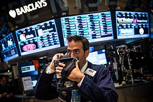 Stocks Rise On Positive Economic Reports