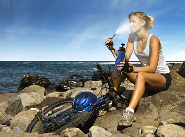 5 Hi Tech Gadgets To Stay Cool At The Beach