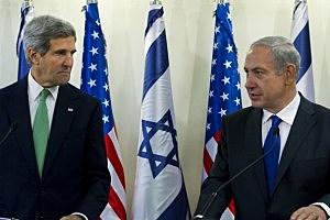 Secretary of State John Kerry (L) and Israeli Prime Minister Benjamin Netanyahu