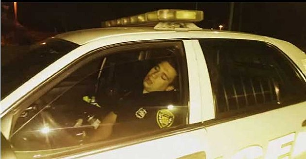 belleville-officer- caught sleeping