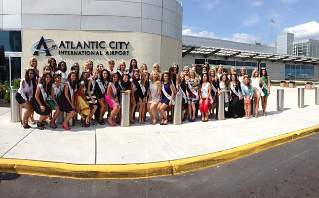 Miss America contestants at Atlantic City International Airport