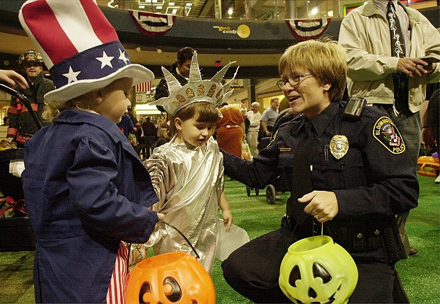Where are the best Trick or Treat places in NJ Malls?