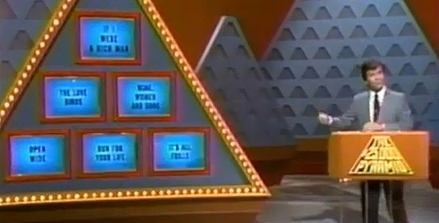 how to play the 10000 pyramid game