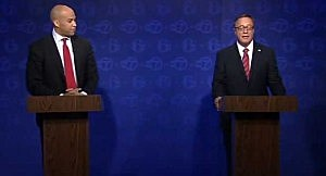 (L-R) Mayor Cory Booker (D) and Steve Lonegan (R) during their first debate
