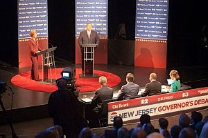 Senator Barbara Buono (D) and Governor Chris Christie (R) debate at William Paterson University