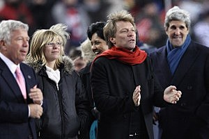 (L-R) New England Patriots team owner Robert Kraft, lead singer Jon Bon Jovi of Bon Jovi and John Kerry (D-MA)