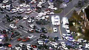 Police outside Garden State Plaza during shooting
