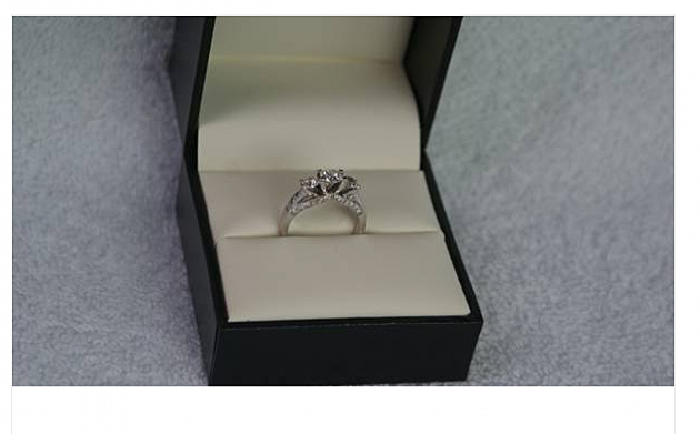 Diamond Engagement Ring on Craiglist in Hysterical Ad