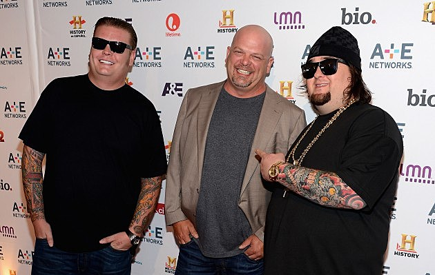 Cast of Pawn Stars surprise young fan with Autism