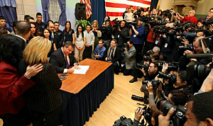 Gov. Chris Christie signs Dream Act